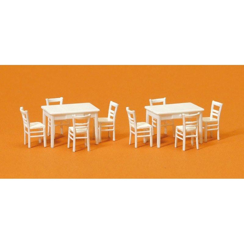 Preiser 17219 H0 Tische mit Tischdecken und Stühle